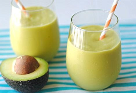 Ontbijtsmoothie mango-banaan-avocado